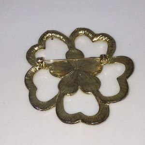 Jewelry - Vintage Gold Tone Enamel Flower Brooch